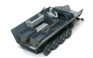 装甲工兵車Sd.kfz.251/7C型 室内の組み立て
