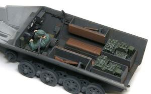 装甲工兵車Sd.kfz.251/7C型 インテリアの仕上げ
