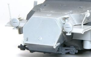装甲工兵車Sd.kfz.251/7C型 ライトコードを追加