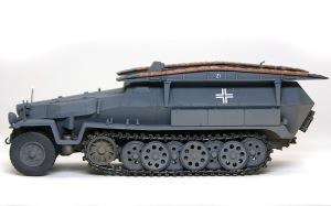 装甲工兵車Sd.kfz.251/7C型 履帯の取り付け