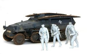 装甲工兵車Sd.kfz.251/7C型 フィギュアの組み立て