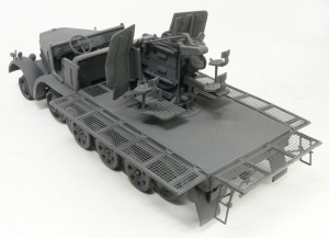 8トンハーフトラック4連高射砲 をジャーマングレーで基本塗装