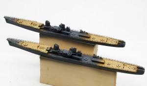 船体の塗装と甲板の下塗り
