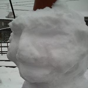 子どもたちの作った雪だるまの顔をディテールアップ(爆)