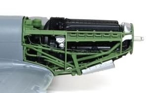 スピットファイアMk.9c パイプを塗装