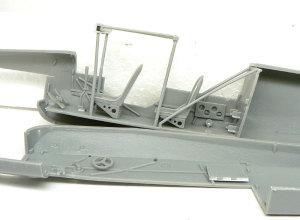フィーゼラーFi156Cシュトルヒ コクピットの組立て
