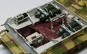 シュトゥルムティーガー 車体部分のインテリアの仕上げ