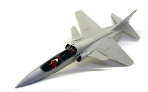三菱T2-CCV 機体の組み立て