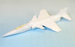 三菱T2-CCV 機体の塗装
