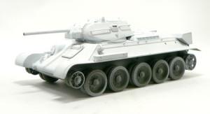 T-34/76戦車 真っ白に塗装