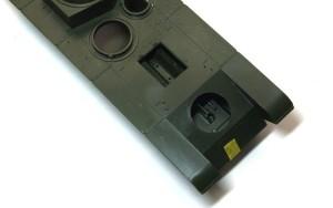 ソビエト重戦車・T-35 テープで押さえて強制接着