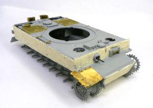ティーガー1後期生産型 フロントフェンダーの組立て