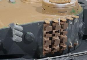 砲塔の予備履帯ブラケット