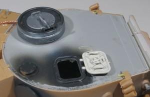 装填手ハッチの裏が白いのはこの車輌特有
