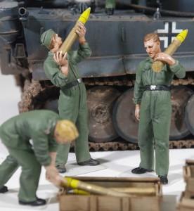 ドイツ戦車兵・弾薬搭載