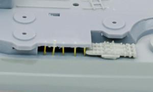 2段のデッキと魚雷発射管