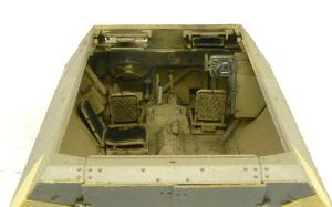 SD.kfz.251/20ウーフー 運転席の塗装