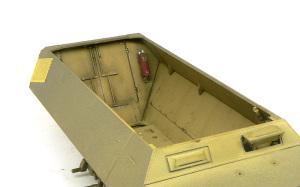 SD.kfz.251/20ウーフー 後方インテリアの塗装