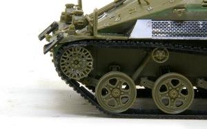 ウイーゼル装甲車Mk20A1 履帯の接着