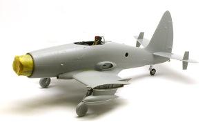 ワイバーンS.4後期型 翼の取り付け