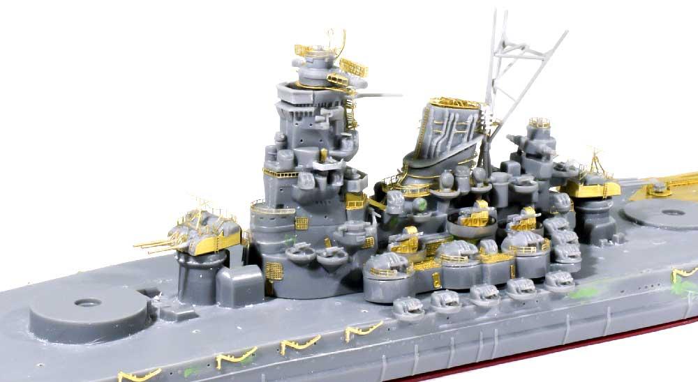 副砲塔の組み立て