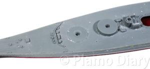 甲板のモールドを削る