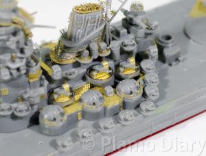 甲板上の高角砲