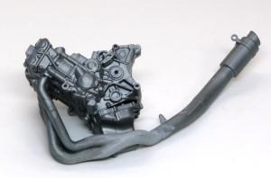 ヤマハ・YZR-M1'09 エンジンと排気管