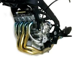ヤマハ・YZR-M1'09 排気管の塗装