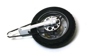 カワサキ・Z1-R改 後輪とスイングアーム