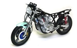 カワサキ・Z1-R改 ハンドルとヘッドライトの取り付け