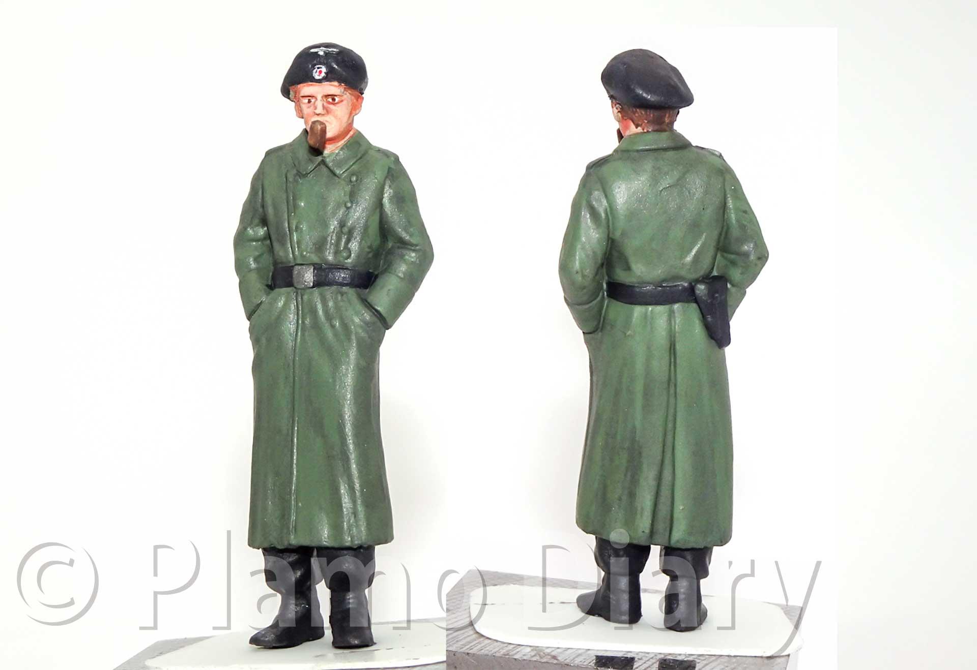 コートを着た戦車兵