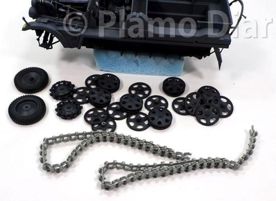 車輪の塗り分けと履帯の連結