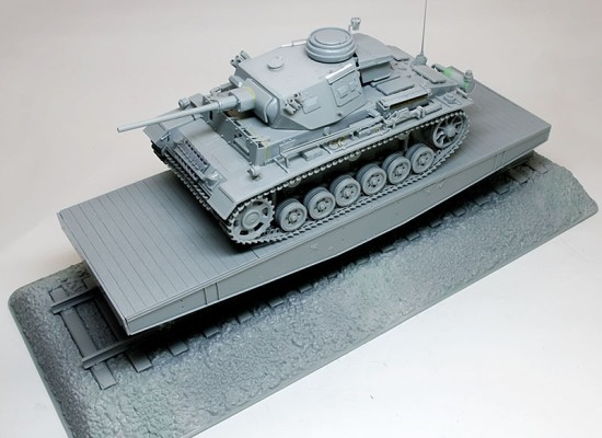 4軸平形貨車に乗せた3号指揮戦車K型