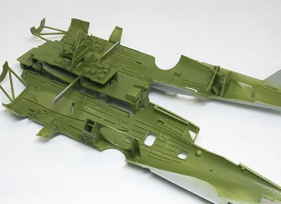 機体内部の塗装 TBM-3アヴェンジャー
