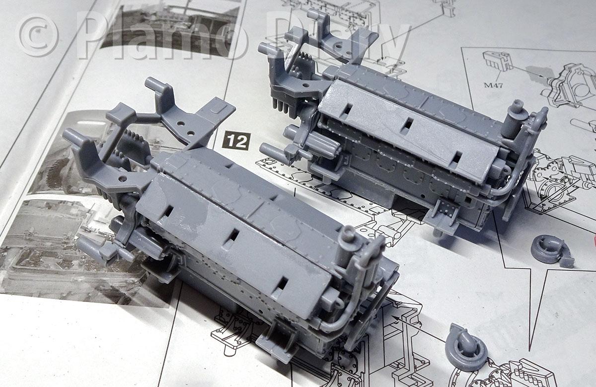 エンジン基部の組み立て