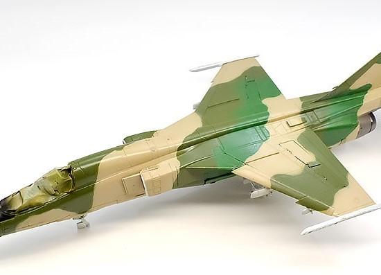 航空自衛隊・支援戦闘機F-1 1/72 プラッツ
