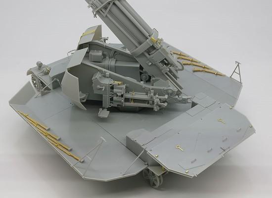 戦闘室防盾の組立て