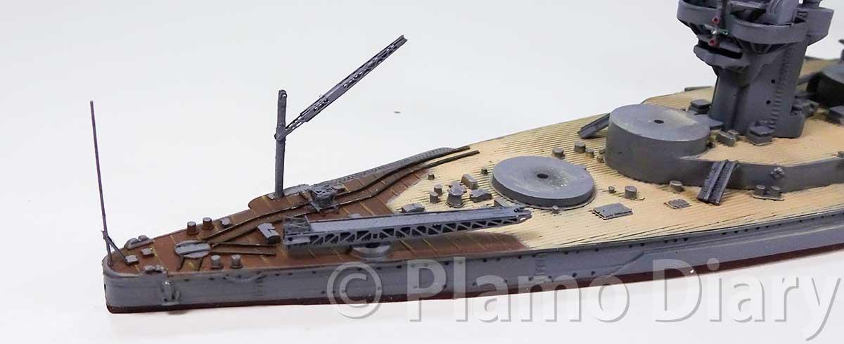 艦載機の甲板の組み立て