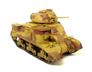 M3グラント中戦車をウオッシング