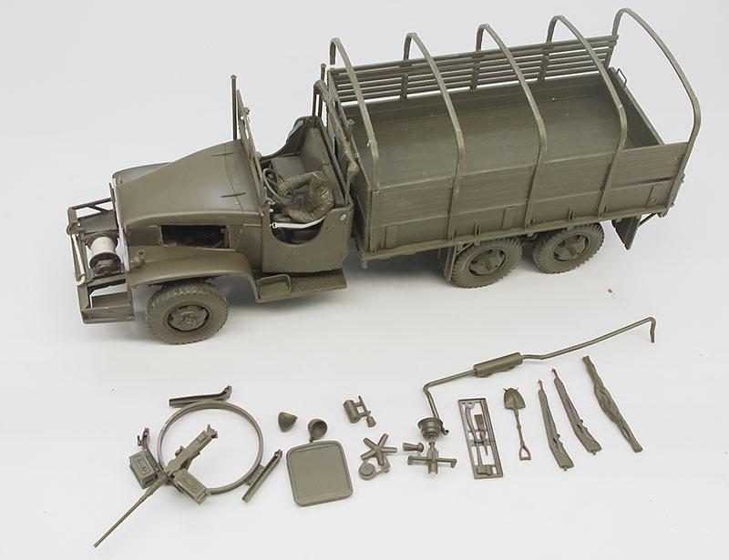 アメリカ・2.5t6×6カーゴトラック 組立て完了