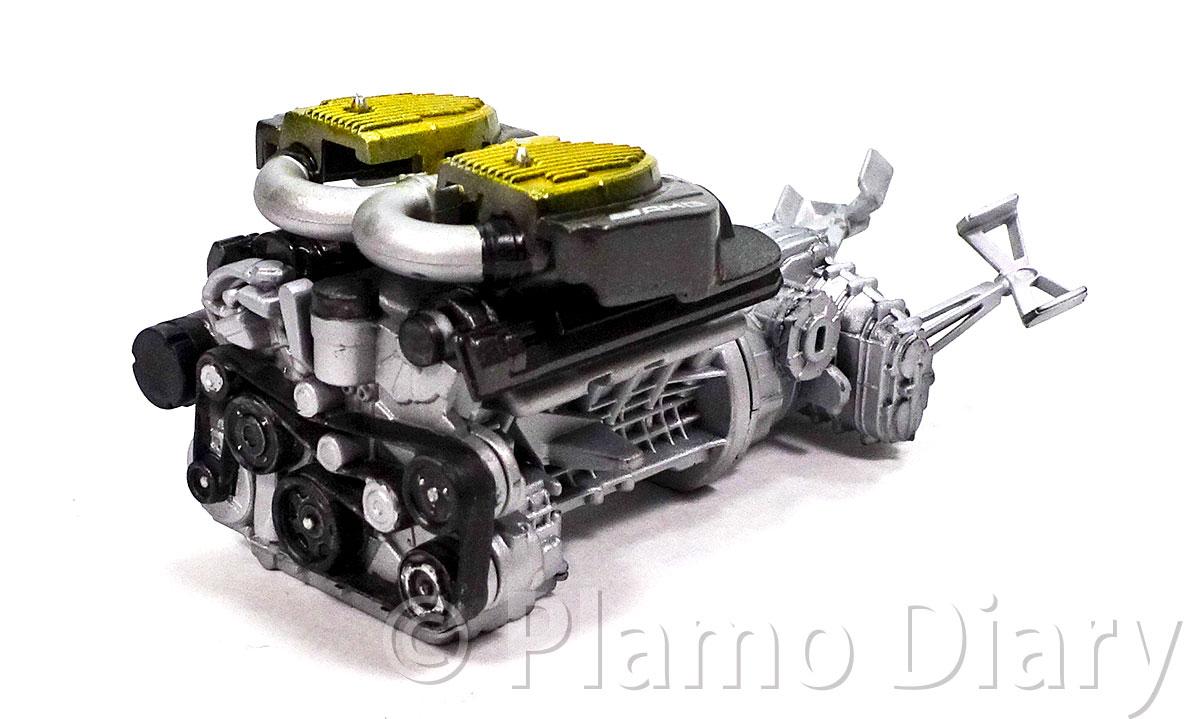 エンジンの塗装と組み立て