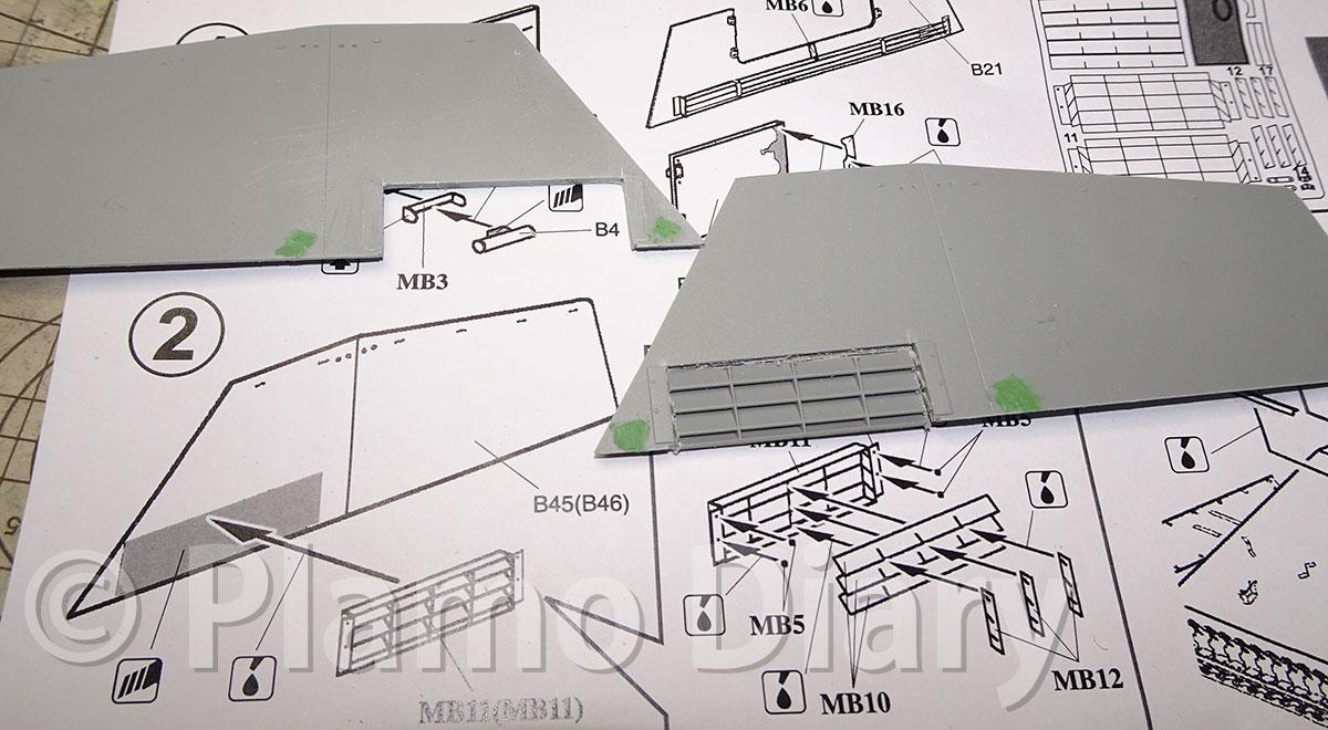 側面の装甲板の加工