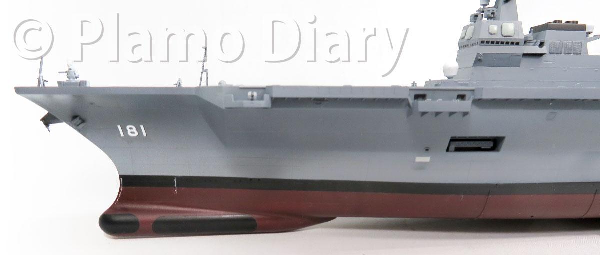 船体のデカール貼り
