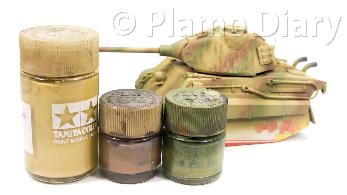 3色迷彩の塗料