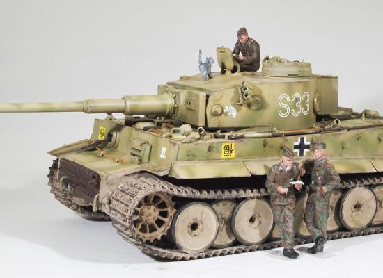 ドイツ重戦車・ティーガー1初期生産型 1/35 サイバーホビー
