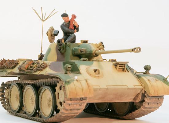 ドイツ・計画偵察用軽戦車VP1602レオポルド 1/35 ホビーボス
