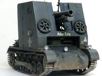 そのため車高は非常に高くなってしまっており、待ち伏せ兵器の大砲としては非常に不利な設計となっています。