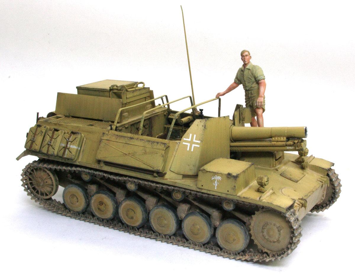 幌をかけるためのフレームを付け忘れていたので、写真を追加しました。ついでにDAKの兵士も乗せてみました。