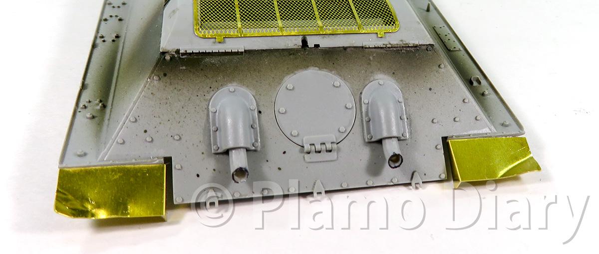 排気管カバーとリアフェンダー